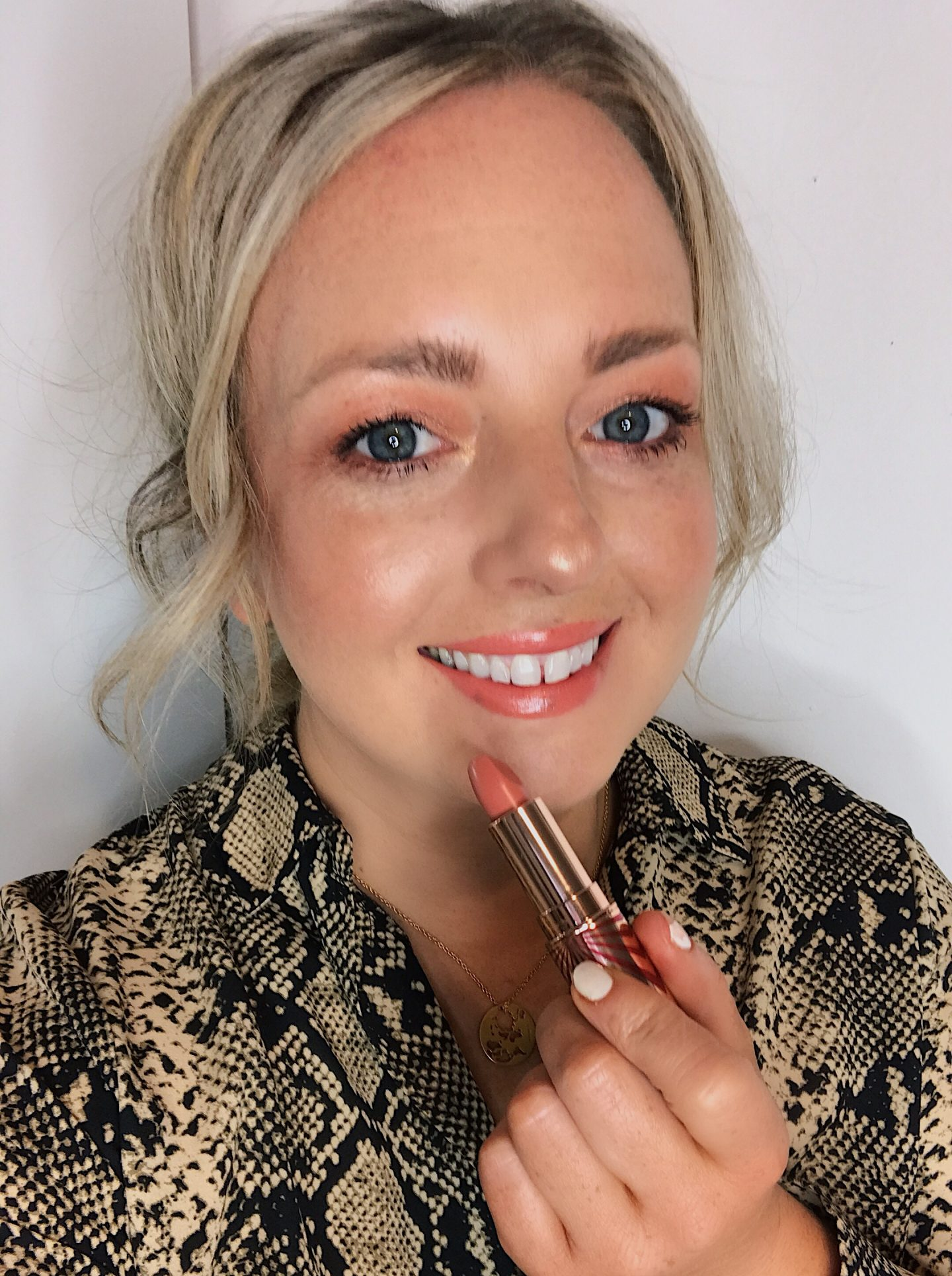 hot lips 2 charlotte tilbury beauty review